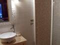 salle de bain de la chambre du rez de chaussée avec wc privatif